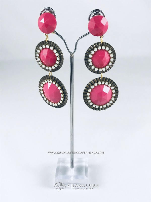 fuchsia-coloured-earrring