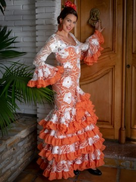 Rich-elaborate-lace-flamenco